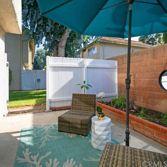 End unit located next to the greenbelt for a backyard feel