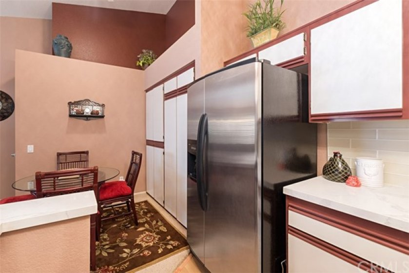 Plenty of space in this kitchen with lots of cabinets and pantry ... this could be yours!