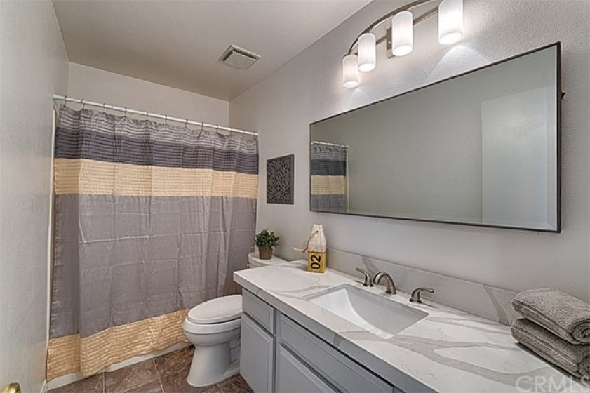 Large remodeled full bath upstairs