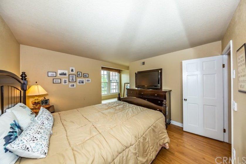 Bedroom-2 with Bay-window