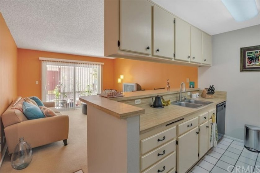 Open kitchen ideal for preparing your meals and entertaining guests.