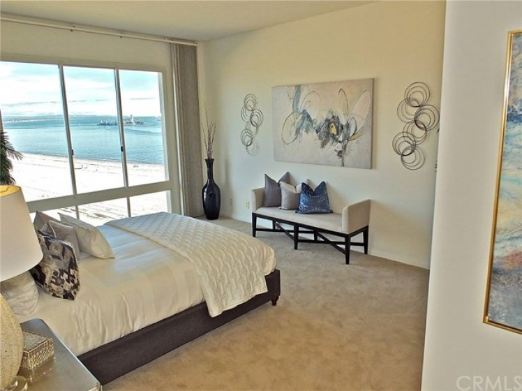 Imagine having the ocean breezes gently waking you up each morning in this luxury condo.
