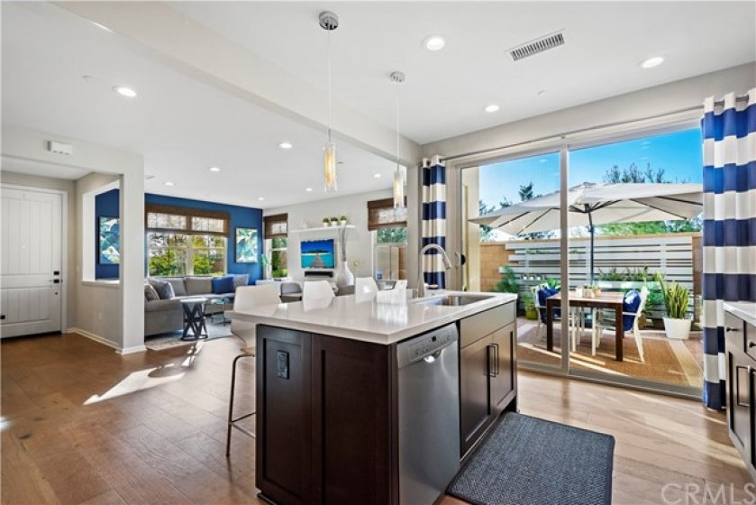 Model perfect home waiting for you!  End unit with no neighbor to the left allows for an abundance of natural light.