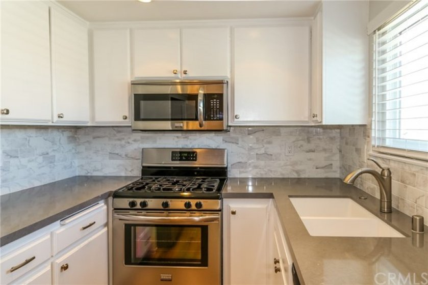 BEAUTIFUL UPDATED KITCHEN READY FOR YOU TO PREPARE YOUR FAVORITE MEAL.