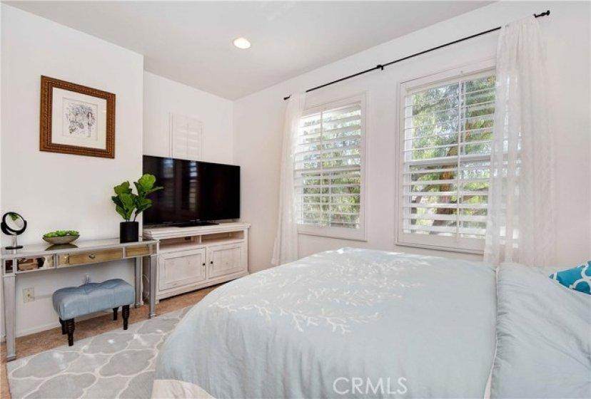 Master Bedroom - Trees Views!