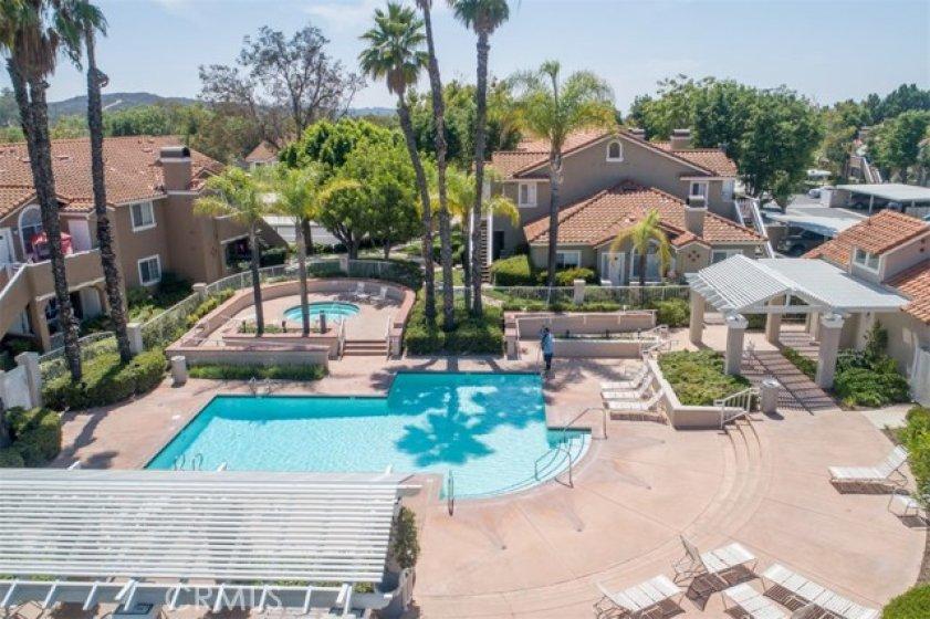 Las Flores pool & spa