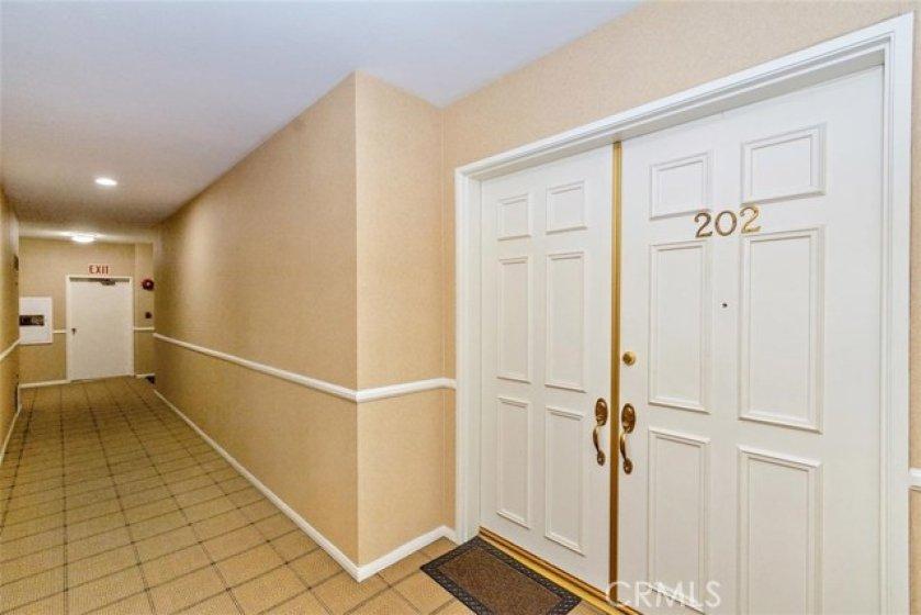 Quiet end unit, Double door Entry