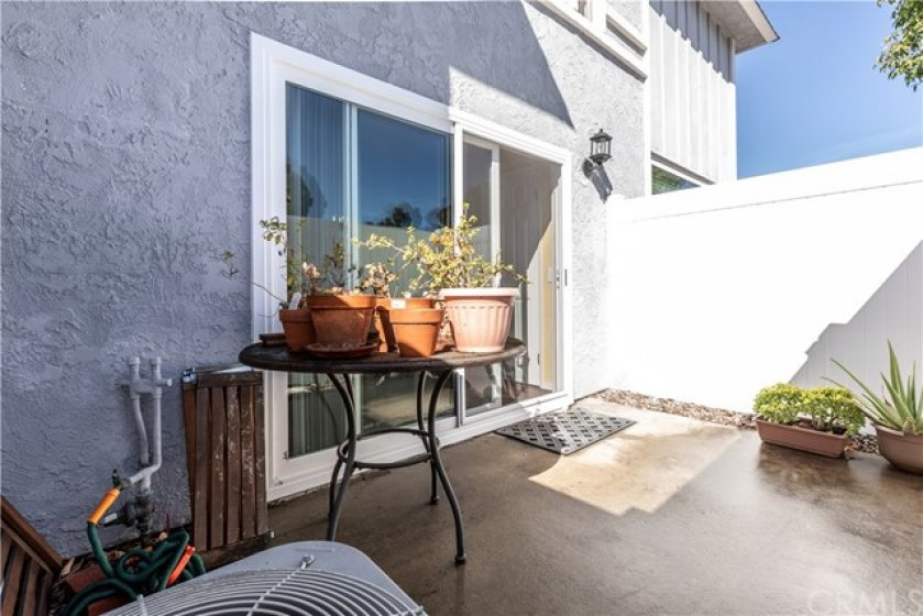 Great 3 bedroom townhouse condo with patio and attached garage in Mission Viejo