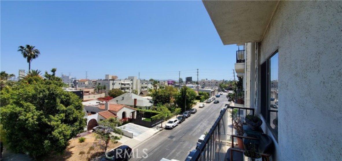 Balcony View - Baldwin Hills
