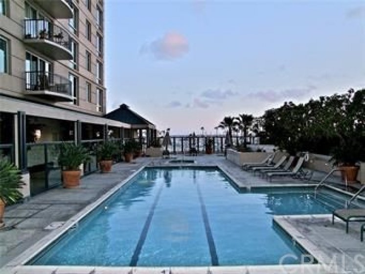 Heated lap pool across from the spa that looks out to the ocean.