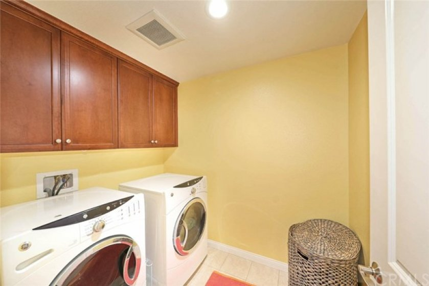 Only 2 bedroom unit with a full laundry room in Vantis.  A separate, spacious room allows you to keep a tidy laundry area separate.