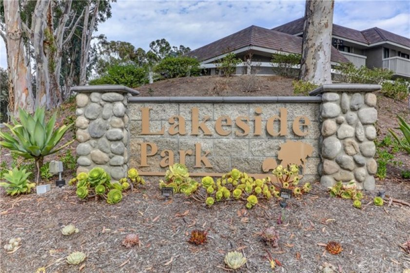 Community marquis - welcome to Lakeside Park!