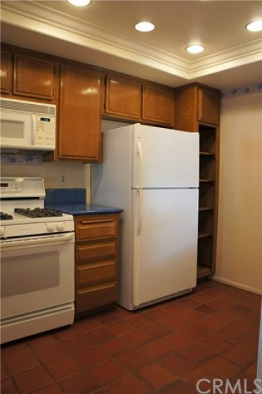 (Refrigerator has been removed).