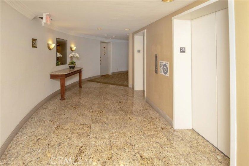 25th floor Hallway