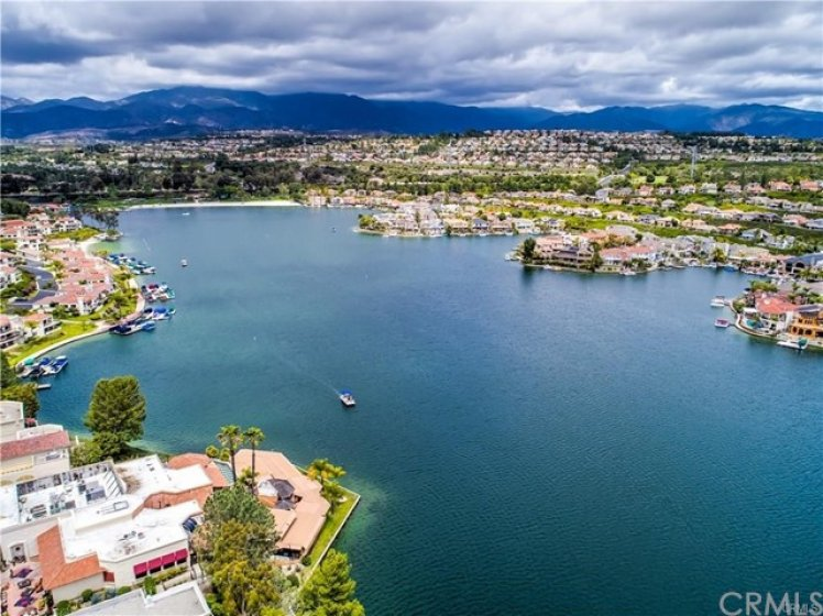 Beautiful Private Lake Mission Viejo