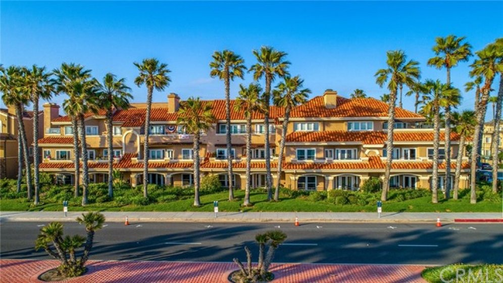 Beautiful Landscaping, palm trees....this is Huntington Beach