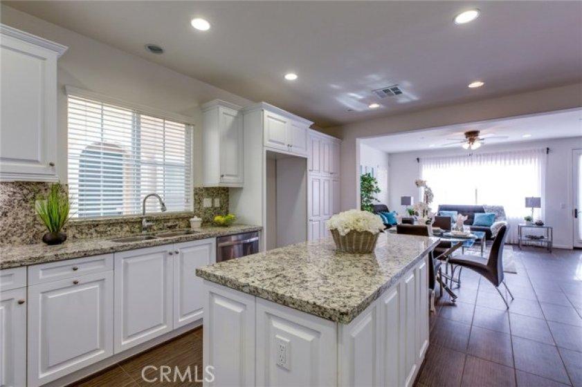 Kitchen 783 Gatun #243