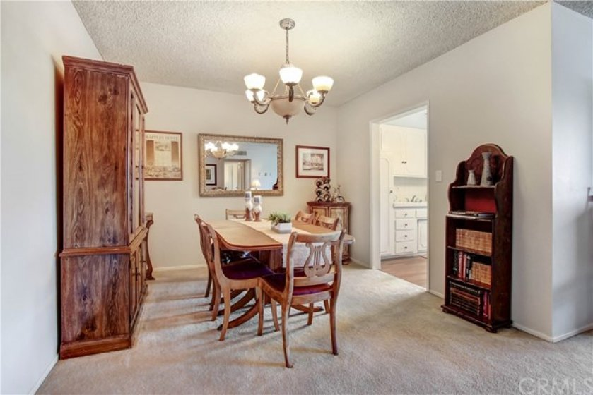 Formal dining room - great for entertaining.