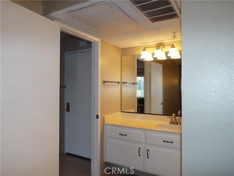 Nice Bathroom, separate toilet/tub area