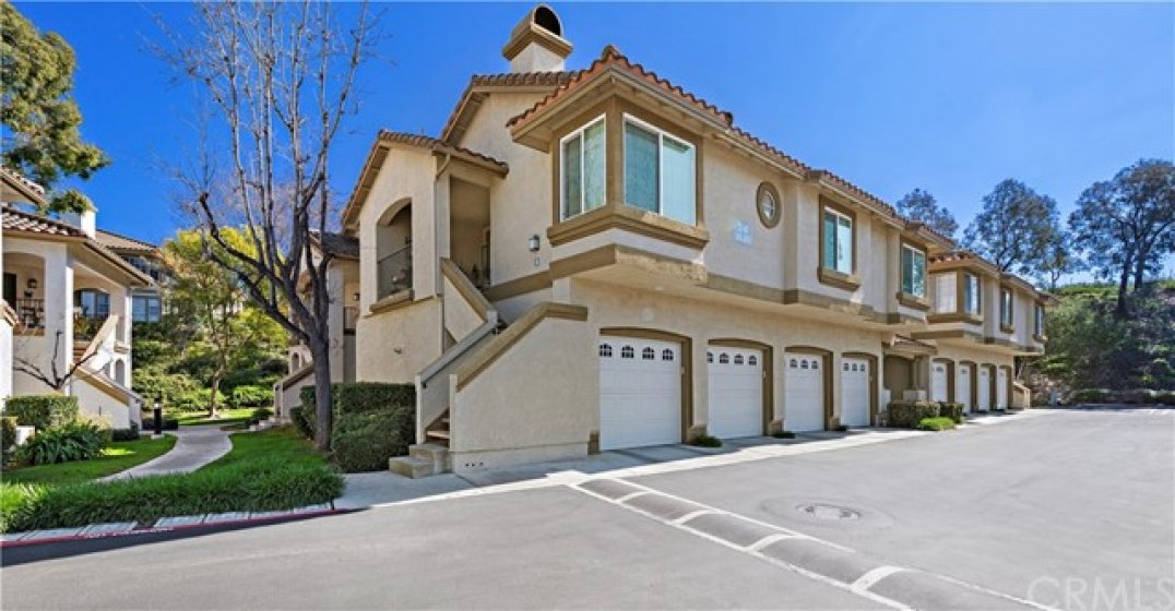 Lovely Casifina condo located just outside the gates of Coto de Caza.  The second garage belongs to this property.  Attached with direct access!