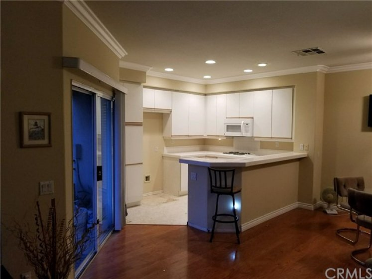 Kitchen opens up well to the dinning area which makes it nice for entertaining.