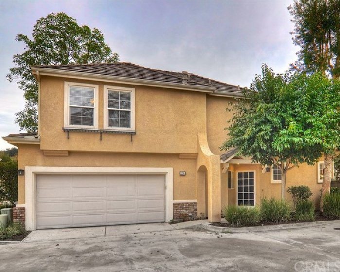 Welcome home to 159 Bloomfield, Rancho Santa Margarita.  Located in lovely Las Flores.
