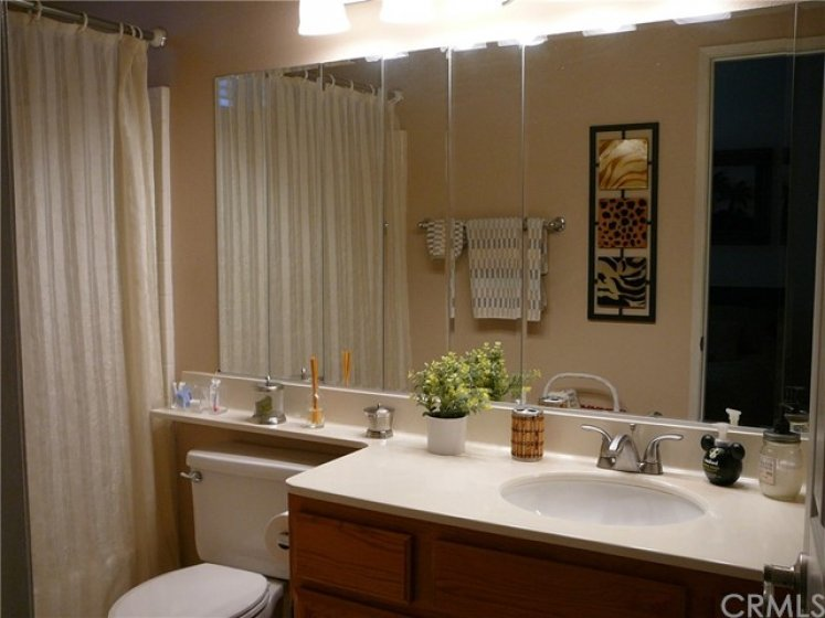 2nd bedroom private bathroom.