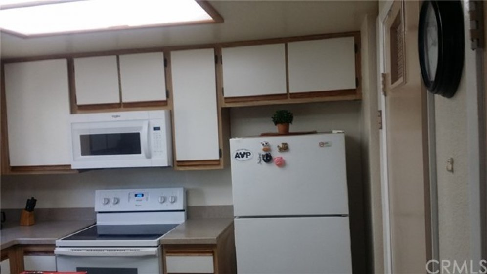 Brand New Whirlpool Microwave and Stove.