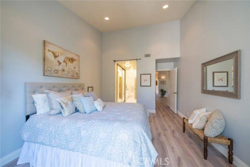 Masted bedroom with en suite bathroom