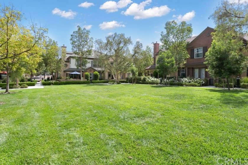 Wow, 1405 Juliette Way is located on a small greenbelt in the sought after Columbus Square community.