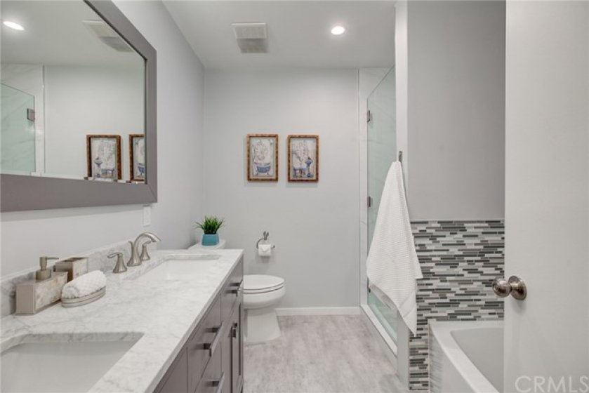 Great shareable bathroom with double sink vanity.