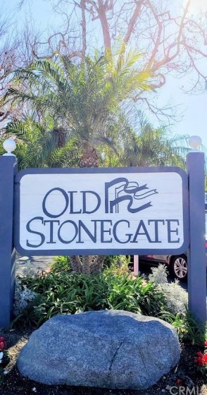 Old Stonegate community entry sign