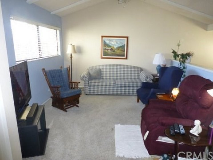 Upstairs loft-Family room