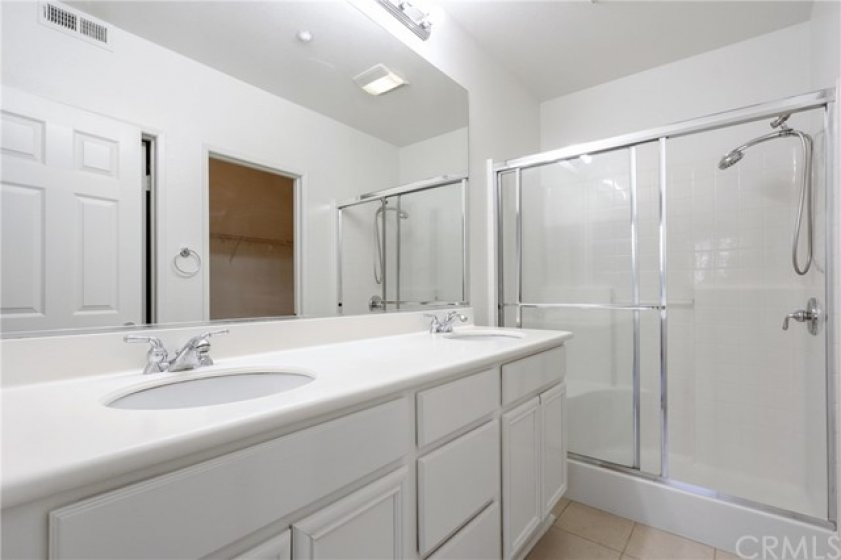 Upstairs Master bath with dual sinks & walk-in shower