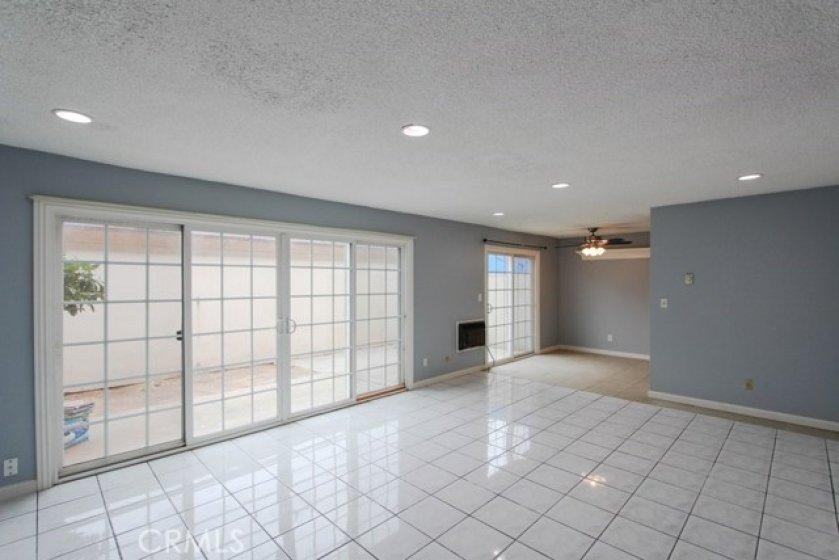 11550TustinVillageWy96Tustin_Livingroom_9