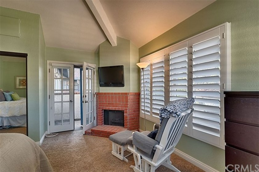 Master bedroom with French Door to balcony.
