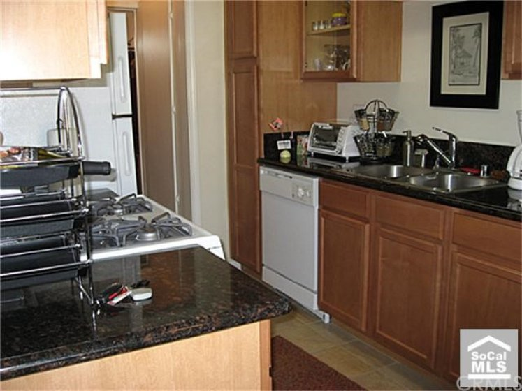 Upgraded kitchen with granite counters