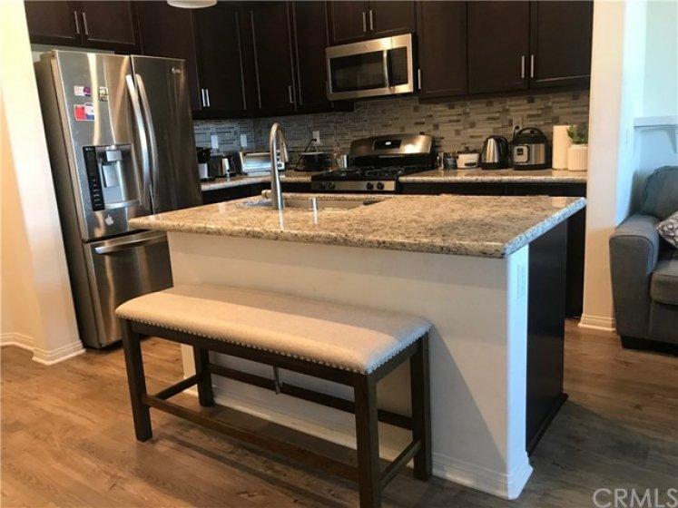 Center granite counter sink
