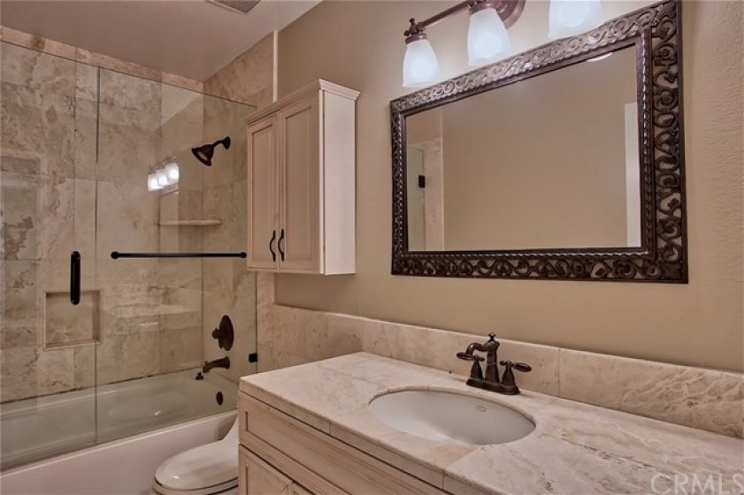 Beautifully updated second bath