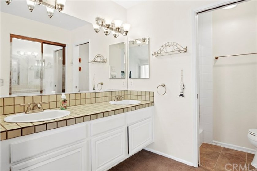 Clean masterbath suite. Double sinks too