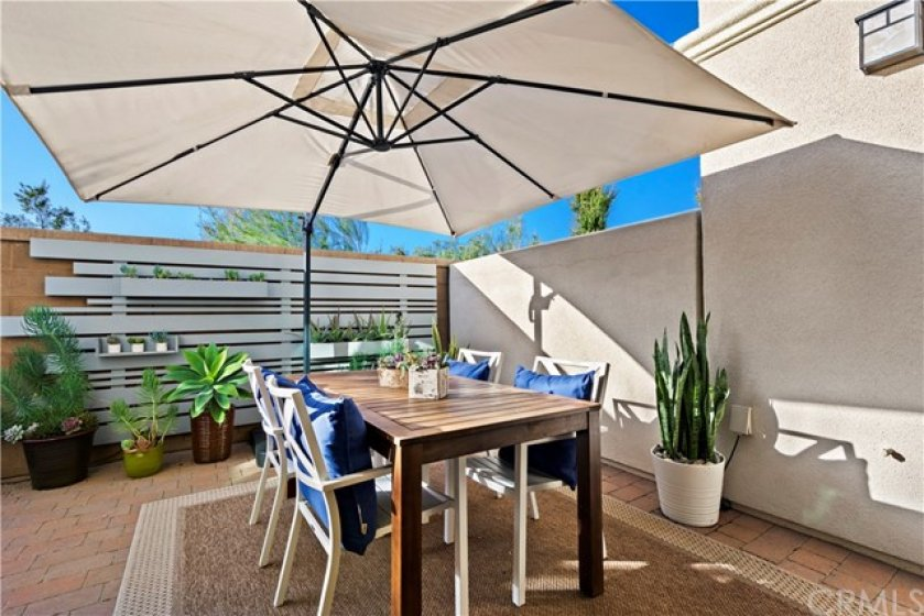 Fantastic outdoor dining. Just in time for Spring and Summer!