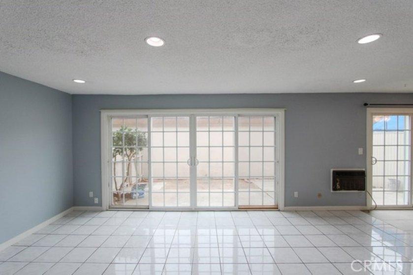 11550TustinVillageWy96Tustin_Livingroom_3