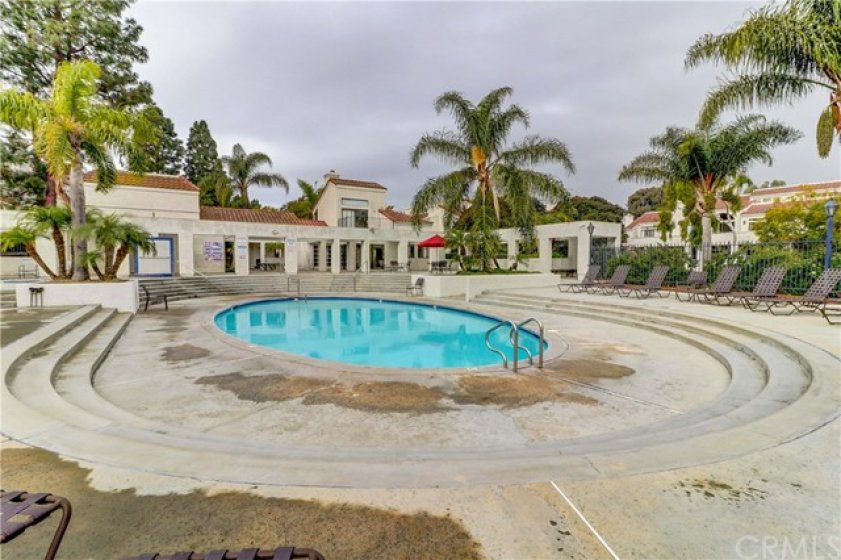 Gorgeous pool/spa area plus sauna, racketball, tennis courts and clubhouse in this fine gated community