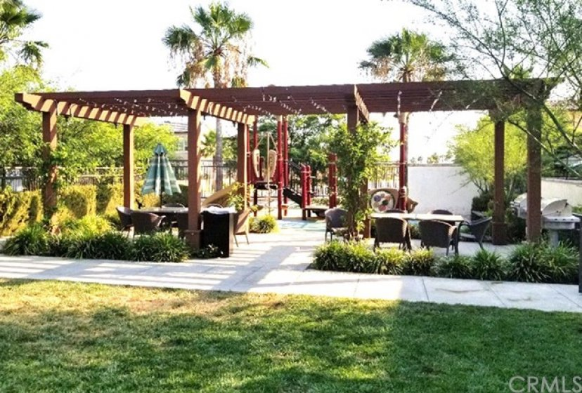 El Paseo community common area and kids play area