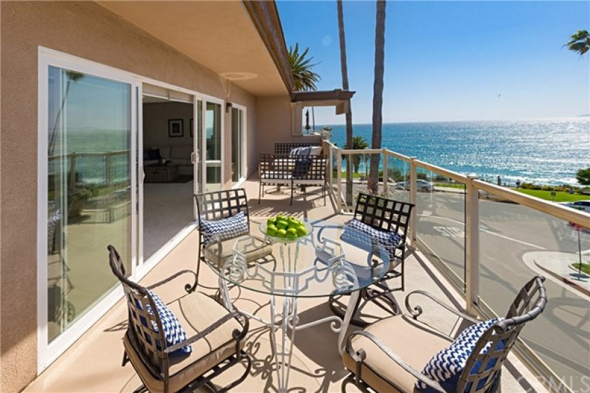 Spacious Front Ocean View Deck.