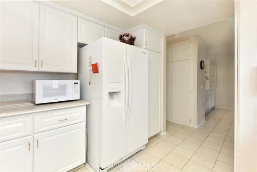 Refrigerator with water despenser