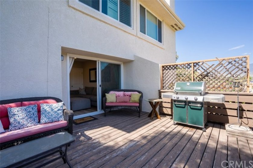 Private deck - perfect for grilling against a backdrop of rolling hills.