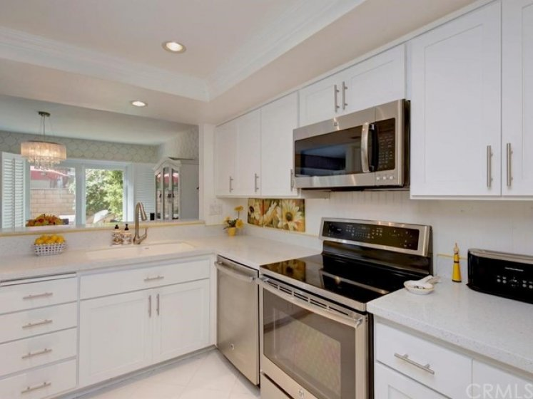 Aegean Heights! Remodeled Kitchen