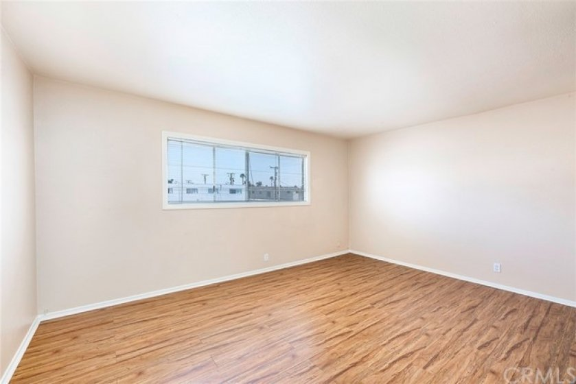 Enjoy a large bedroom, with double closets and direct access to your bathroom!