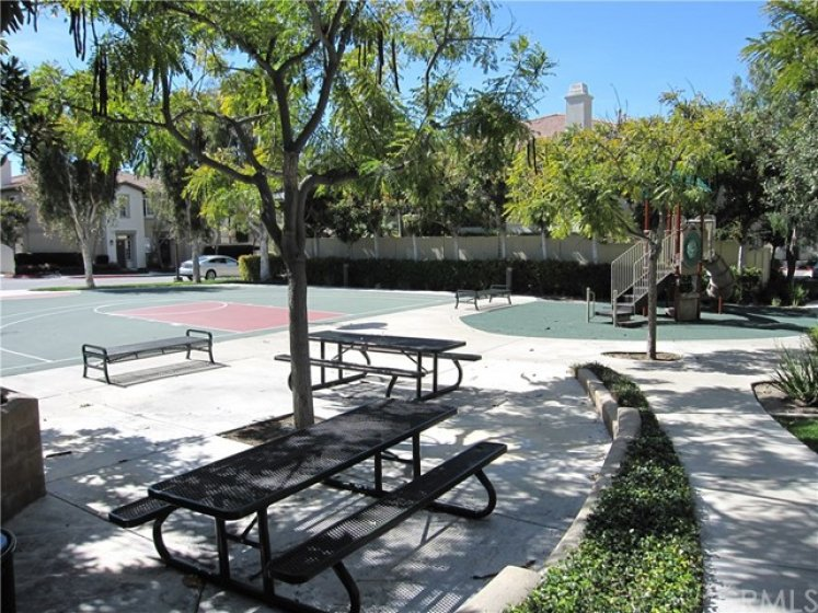 Nice community area. Basketball sport court and playground.